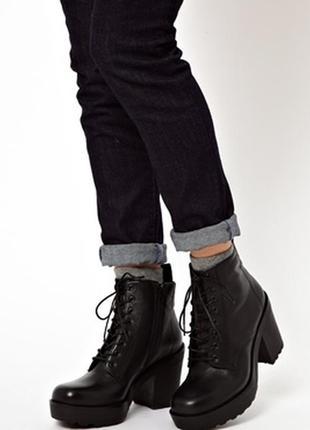 Ботинки на толстой подошве vagabond