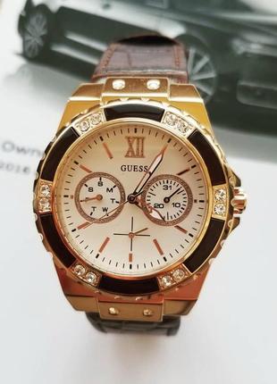 Многофункциональные часы guess w07757l14