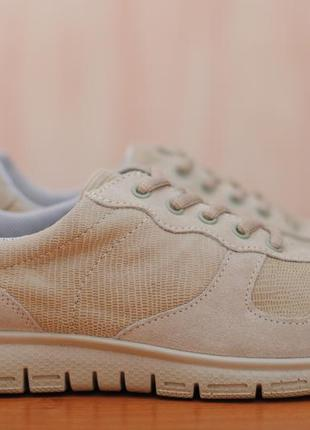 Женские бежевые кроссовки hotter. 38,5 - 39 размер. оригинал