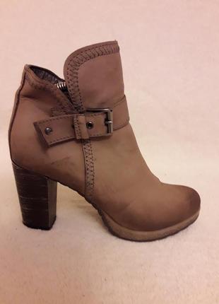 Кожаные деми ботинки фирмы otto kern p. 37 стелька 24 см