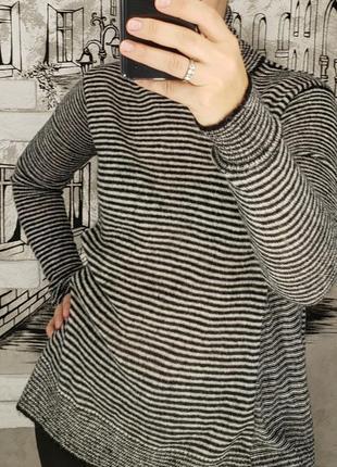 Красивый теплый свитерок