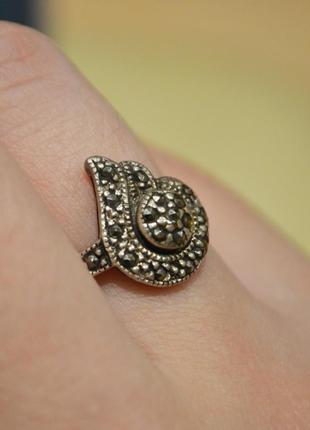 Винтажное кольцо с камнями