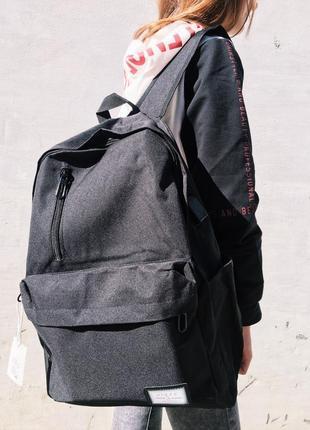 Черный городской рюкзак. тканевый