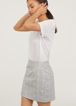 Элегантная юбка, 34р (xs), полиэстер 85%; вискоза 13%; эластан 2%