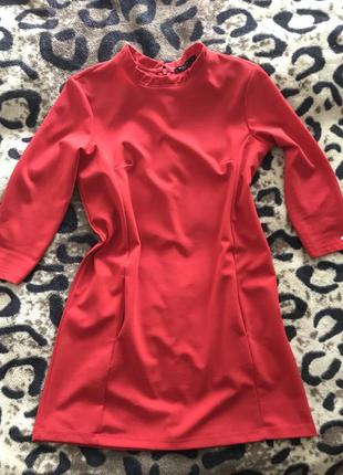 Платье фирмы mohito