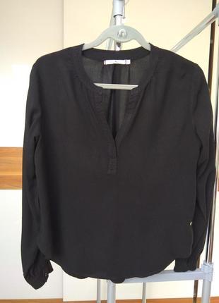 Черная блузка / рубашка с красивым вырезом paul kehl