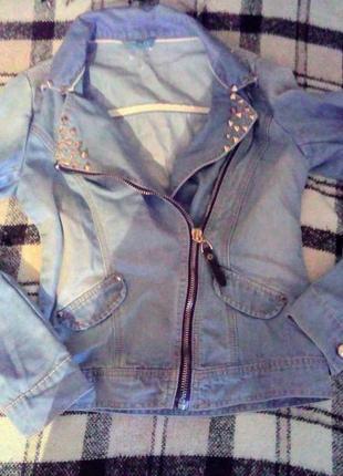 Джинсовый пиджак-косуха