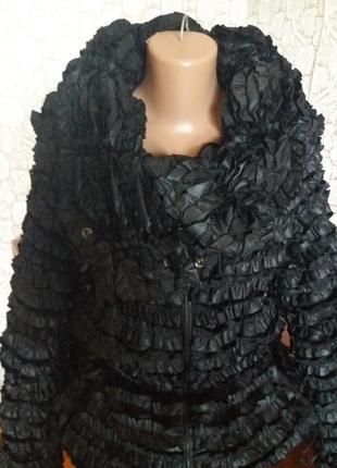 Демисезонная курточка prada оригинал