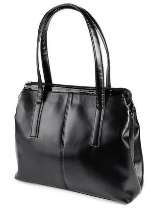 Черная сумка шоппер на плечо с длинными ручками и лаковыми вставками