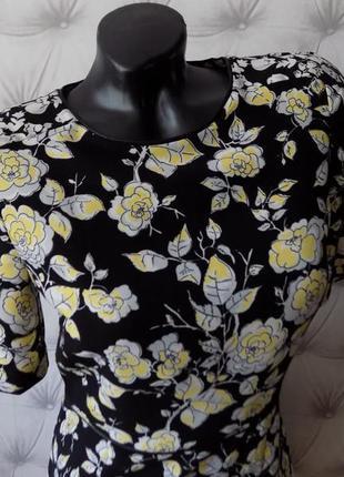 Плотная ткань, базовое платье футляр, очень красивый цветочный принт1