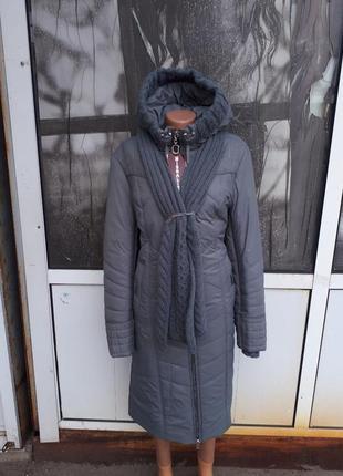 Зимнее женское приталенное пальто больших размеров