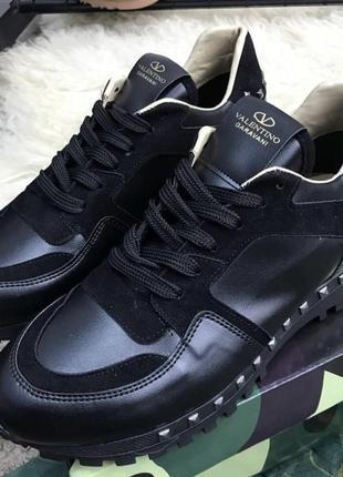 Стильные кроссовки casual