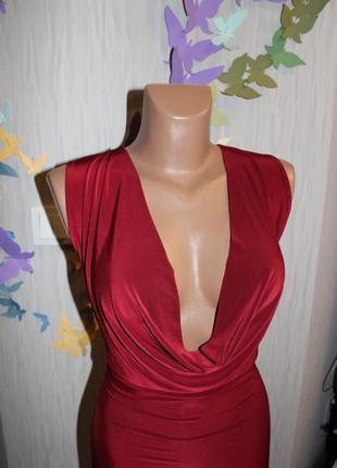 Нежнейшое бордовое платье с красивім декольте4