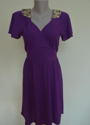 Красивое фирменное платье мини