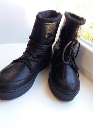 Кожаные зимние сапоги луноходы с необычной шнуровкой