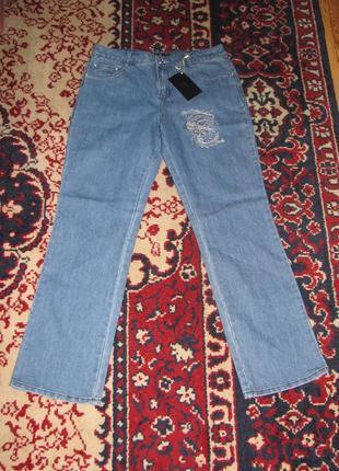 Красивые, новые, плотные, прямые джинсы с вышивкой. р-р 48-52.