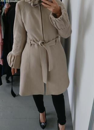 Актуальное шерстяное пальто zara