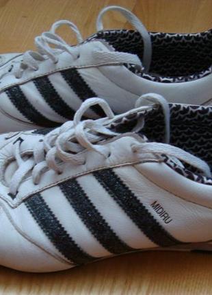 Кросівки, кросовки (кроссовки)