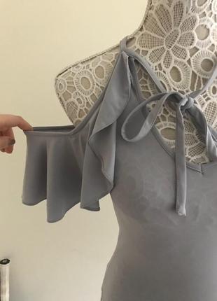 Боди со спущенными плечами,металик,интересного дизайна miss selfridge/комбидрес с воланами