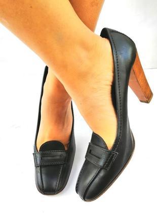 Prada статусные туфли, оригинал, на каблуке