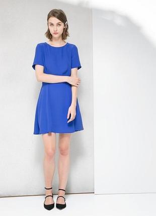 Синее платье с вырезом на спине mango