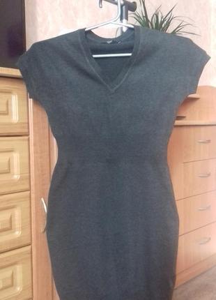 Темно сіре базове плаття з шерстю