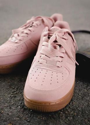 Очень красивая модель кроссовок в нежно-розовом цвете из замши (36-39)