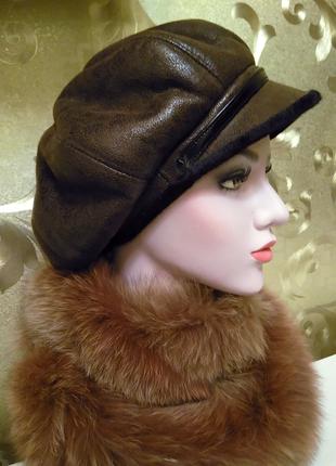 Стильная зимняя женская теплая шляпка на меху.