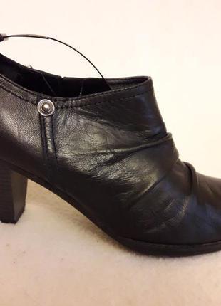 Кожаные туфли фирмы roberto santi p. 39 стелька 25,5 см