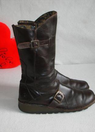 Португальские кожаные сапожки бренд walking to fly