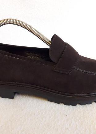 Новые шикарные замшевые туфли фирмы joy harper p. 40-41 стелька 26 см