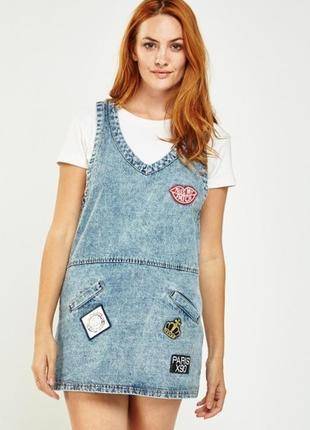 Классное джинсовое платье сарафан р.s/m с аппликациями