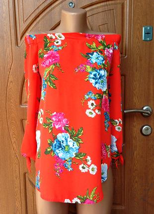Яркая крутая блуза с цветочным принтом размер m,l