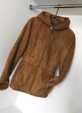 Весенне-осенняя (демисезонная) замшевая бежевая куртка дубленка с капюшоном на меху zara