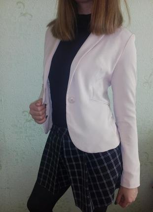 Пудровый жакет / пиджак хс