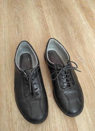Кожаные туфли р.37