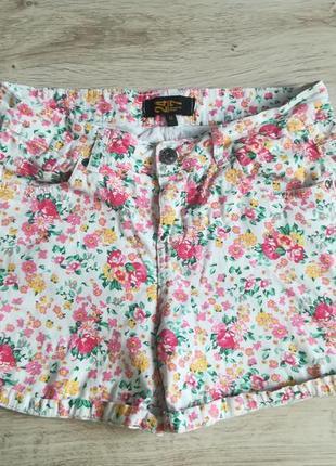 Хлопковые шорты в цветочки!