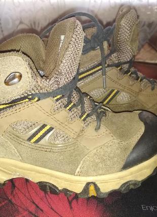 Ботинки на шнурках кожаные , ботинки кожа 28 р-р , 18 см стелька gore tex