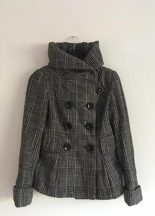 Шерстяное трендовое пальто от zara (m)