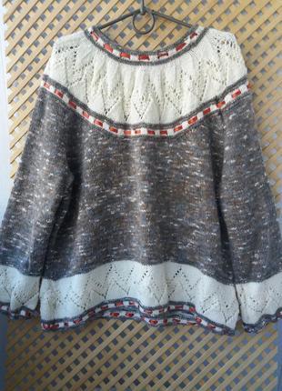 Шерстяный свитер ручной работы