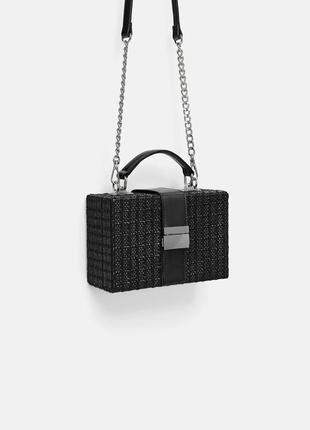Квадратная сумка с плечевым ремнем