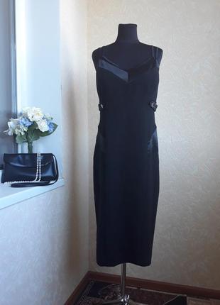Эффектное платье julien macdonald