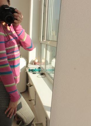 Приятный  и красивый свитер gloria jeans