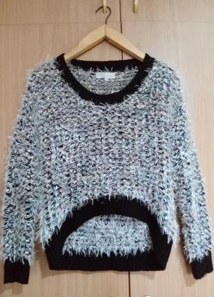 Пушистый свитер травка