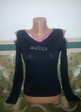 Женская кофточка джемпер с вырезами на плечах.  черная футболка с длинным рукавом