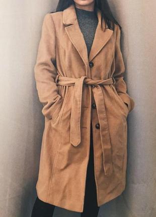 Круте осіннє пальто