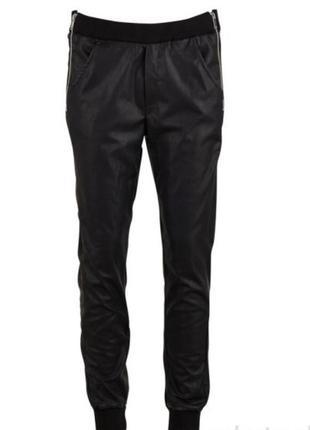 Супер крутые штаны под кожу датского бренда saint tropez