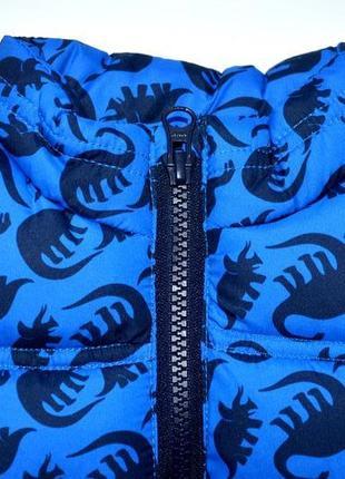 Классная жилетка с динозаврами на синтапоне rebel размер: 18-24 мес.2 фото