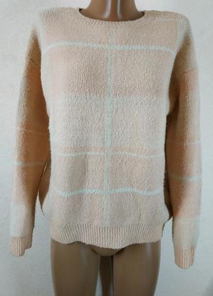 Стильный свитер пудрового цвета