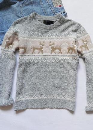 Теплый мягкйие свитер с оленями от atmosphere